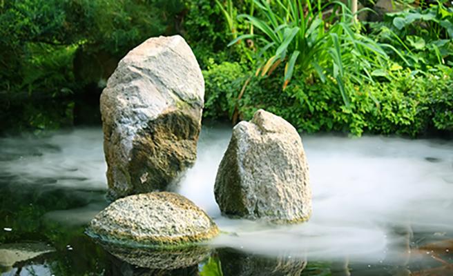 Feng Shui Wasserelemnt im Garten